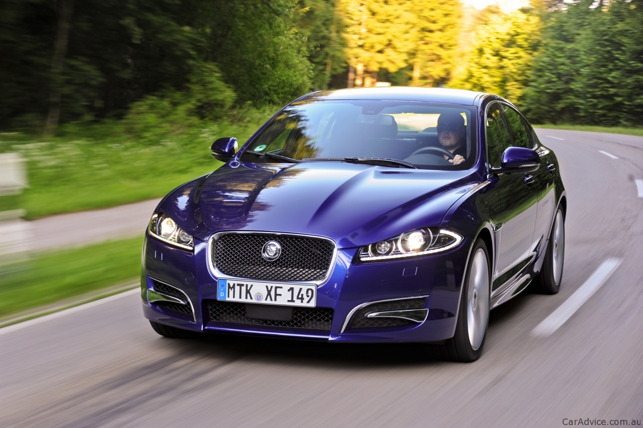 2012-Jaguar-XF-Review-56