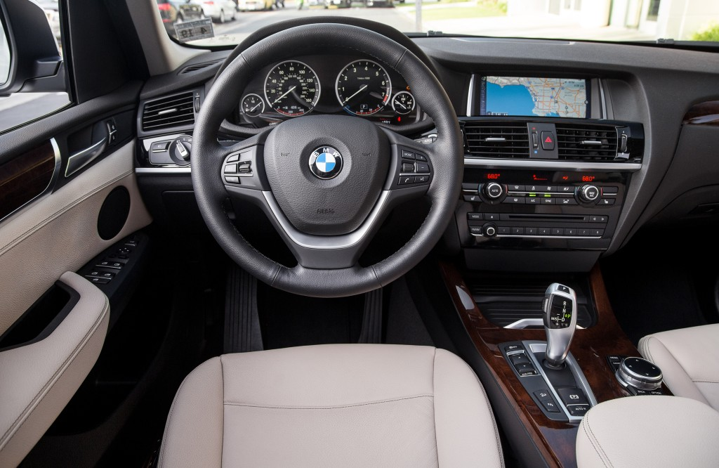 2015-BMW-X3-xDrive28i-cockpit