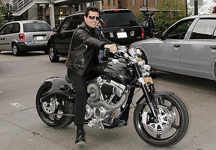 Tom-Cruise-Motorbike